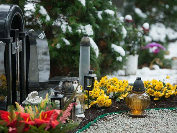 уход за могилой