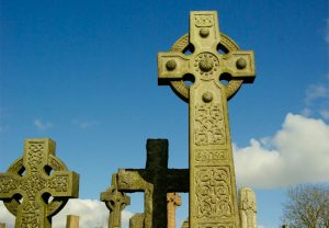 траурная символика на надгробии